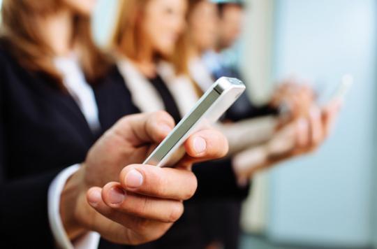 Envoyer des SMS produit des ondes cérébrales uniques