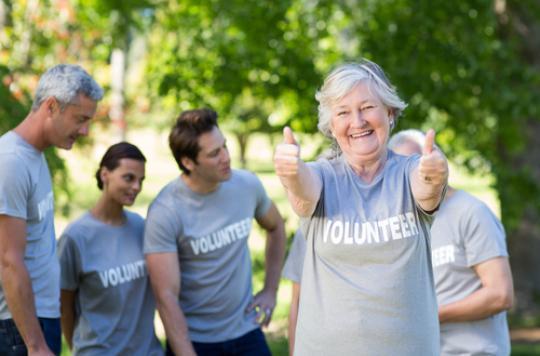 Le bénévolat bénéfique pour la santé mentale des seniors