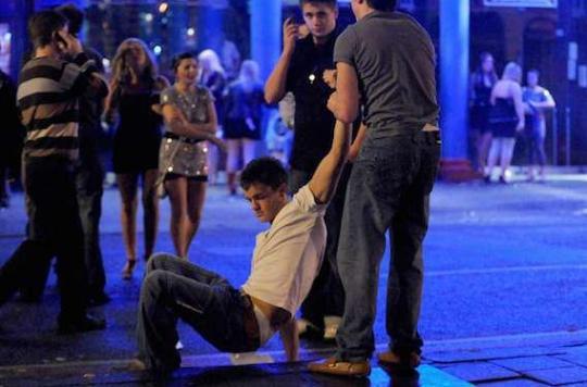 Binge-drinking : des dégâts sur le cerveau des jeunes