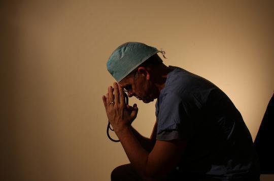 Le burn-out des médecins retentit sur la qualité des soins