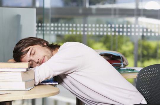Sommeil : les adolescents dorment de moins en moins