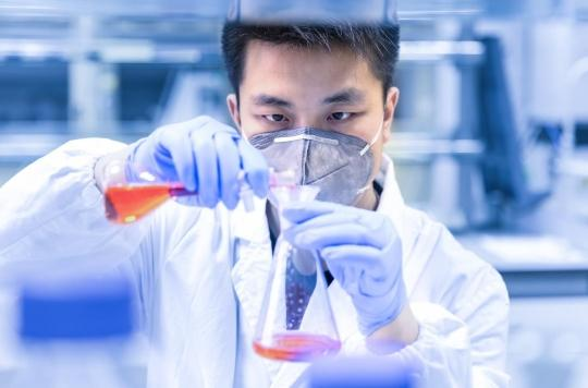 EXCLUSIF - La thèse d'un virus manipulé échappé d'un laboratoire chinois : le pavé dans la mare du Pr Luc Montagnier