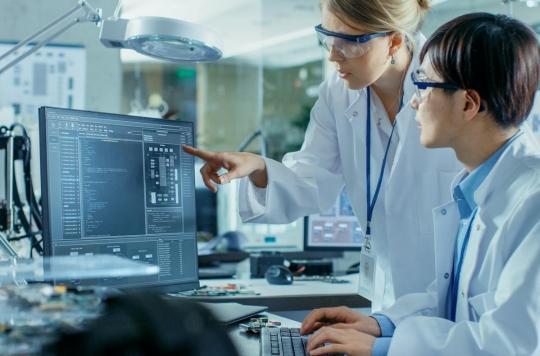 Coronavirus : à quoi sert le nouveau comité CARE à l'Elysée ?