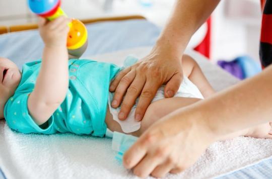 Substances chimiques dans les couches : une association de parents attaque l'Etat