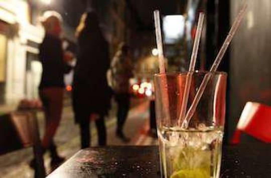 Alcoolisation des jeunes : lobbies et politiques en accusation