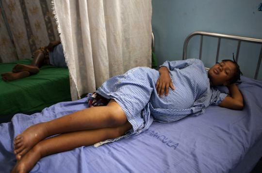 Ebola : les femmes enceintes, victimes collatérales du virus