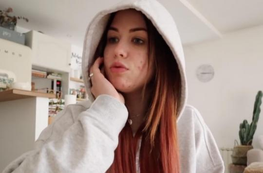 La youtubeuse EnjoyPhoenix souffre du syndrome des ovaires polykystiques