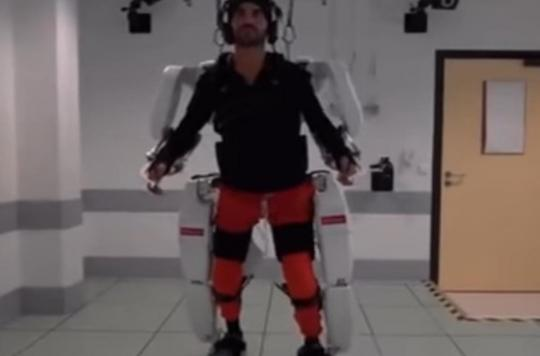Il guide son exosquelette par la pensée: un tétraplégique arrive à marcher