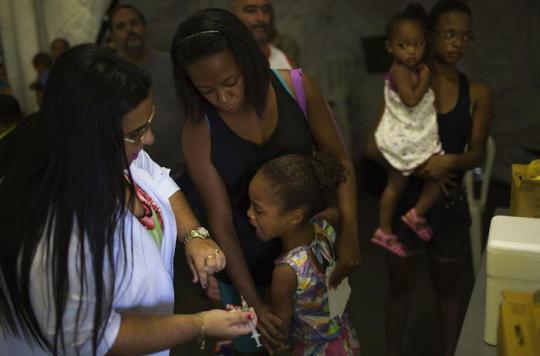 Fièvre jaune : le Brésil achète 12 millions de vaccins supplémentaires