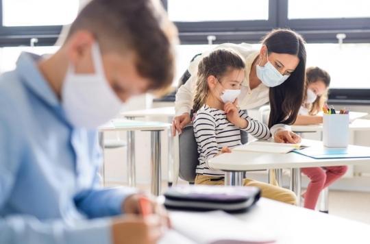 Covid-19 : comment le virus se transmet à l'école ?