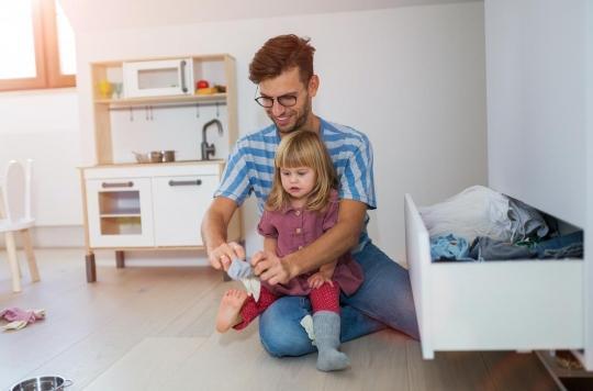 Habiller son enfant tout en stimulant son langage : comment faire ?