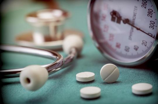Hypertension : le traitement de l'hyperparathyroïdie primitive réduit cette complication