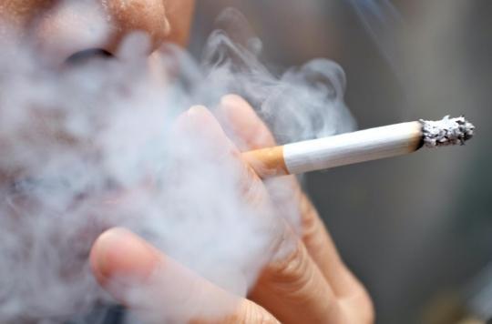 Tabac : les bisexuels ont plus de risque de fumer