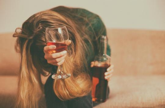 Alcool: comment le cerveau des femmes les rend plus vulnérables