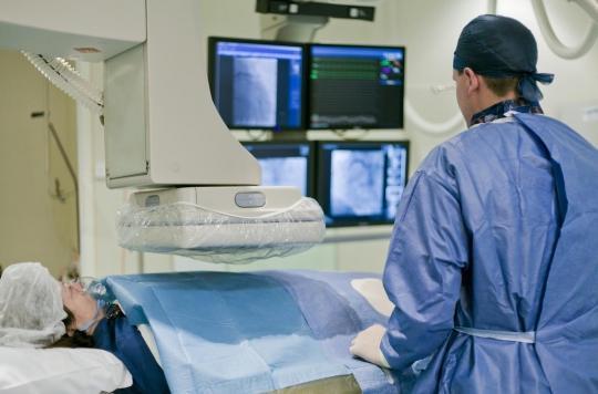 Rétrécissement aortique : le bénéfice du remplacement de la valve dépend de la fragilité pré-opératoire