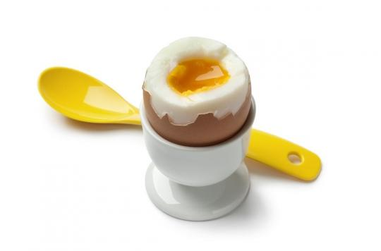 Non, manger un œuf par jour n'augmente pas le risque d'AVC