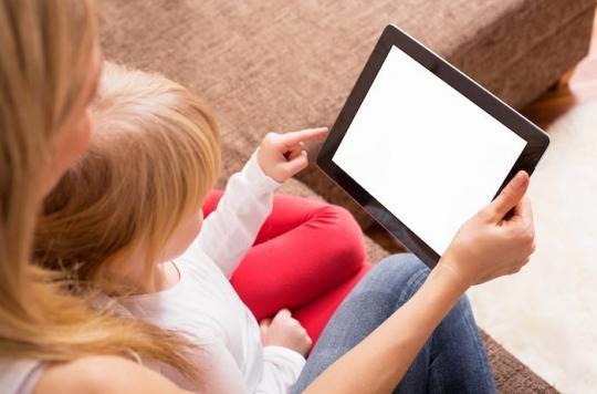 Ecrans : les enfants doivent les éviter au moins une heure avant le coucher