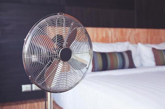 Canicule : pourquoi dormir avec un ventilateur est-il mauvais pour la santé ?