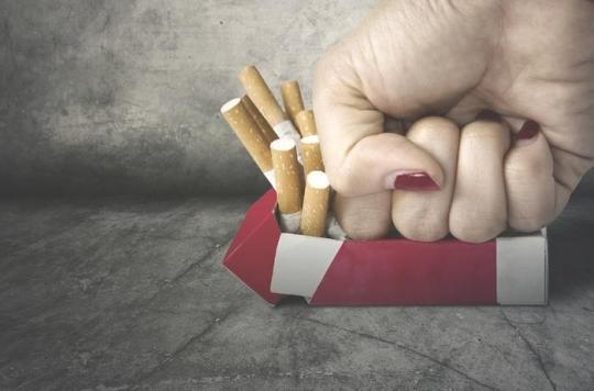 Hausse du prix du tabac : la réduction du nombre de fumeurs marche en France et aux Etats-Unis