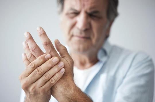 Polyarthrite rhumatoïde : arrêter de fumer diminue le risque trente ans après