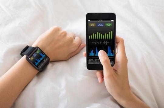 Sommeil : les applications et appareils censés aider à mieux dormir épinglés