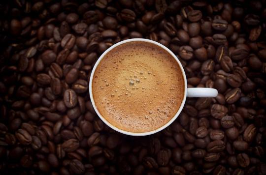 Cancer du poumon : boire trop de thé ou de café augmenterait le risque