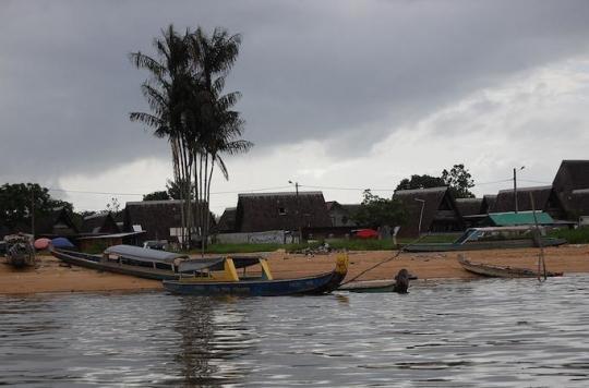 Guyane : des heures de pirogue pour se faire soigner