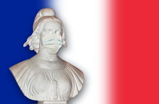 La France financera cinq projets pour fabriquer des masques chirurgicaux et FFP2