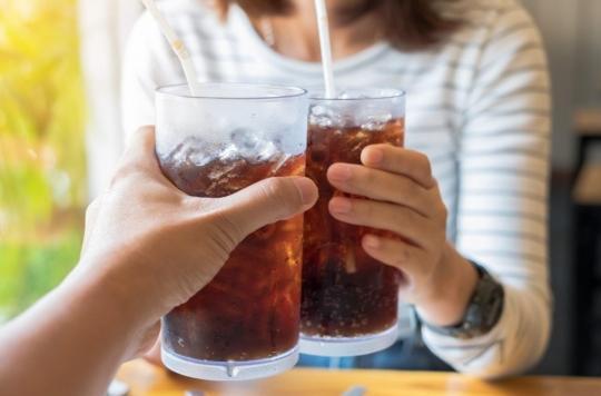 Ménopause : les boissons sucrées pourraient fragiliser les os des femmes