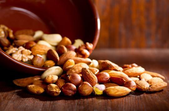 Manger des noix pour conserver ses capacités physiques