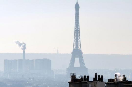 Pollution de l'air : une Parisienne dépose un recours contre l'Etat