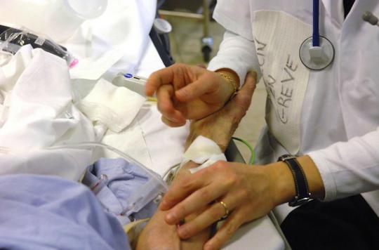 Hôpital : un chèque de 250 millions d'euros pour attirer des médecins