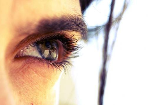 Cornée : restaurer la vision avec un film invisible
