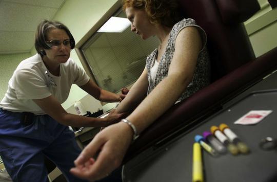 Cancer du sein : un test sanguin prédit les récidives