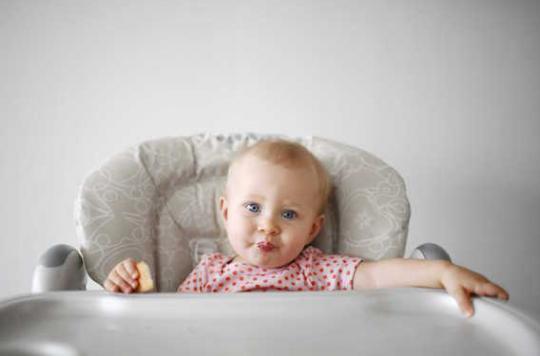 Asthme : les bébés protégés à vie grâce à des bactéries intestinales