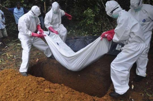 Ebola : la Croix-Rouge a pu éviter 10 000 infections lors des enterrements