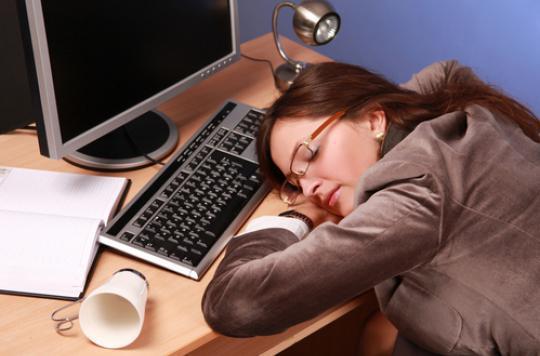 Sommeil : les femmes ont besoin de 20 minutes de plus