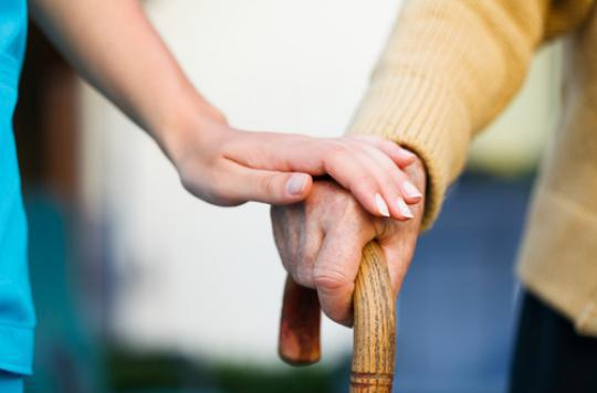 Alzheimer : les bénéfices d'une thérapie à domicile