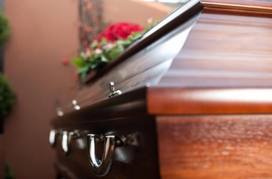 VIH : les thanatopracteurs opposés à la levée de l'interdiction de soins funéraires
