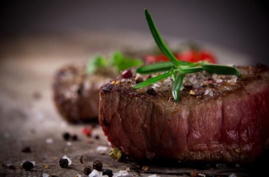 Insuffisance cardiaque : la viande rouge augmente le risque chez les femmes