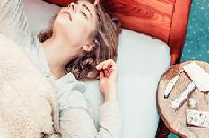 Méningites : les maux de têtes accompagnés de fièvre sont une urgence