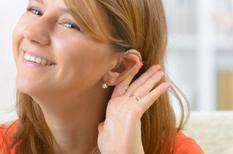 Presbyacousie : agir vite permet de mieux entendre.