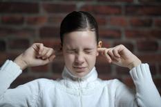 Bourdonnements d'oreille : rarement graves, les acouphènes vont s'estomper